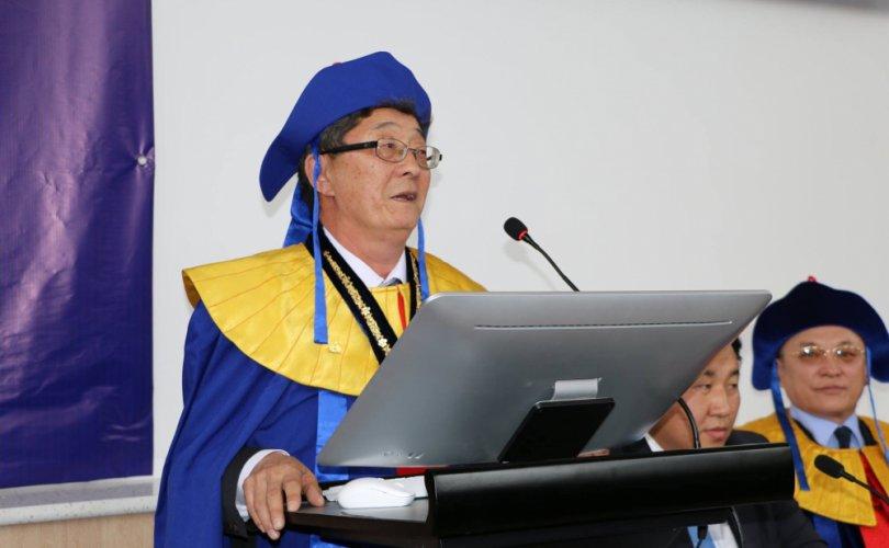 Академич С.Нарангэрэлийн Монголчуудын ёс суртахууны цагаан толгой бүтээл төрийн шагнал хүртэнэ