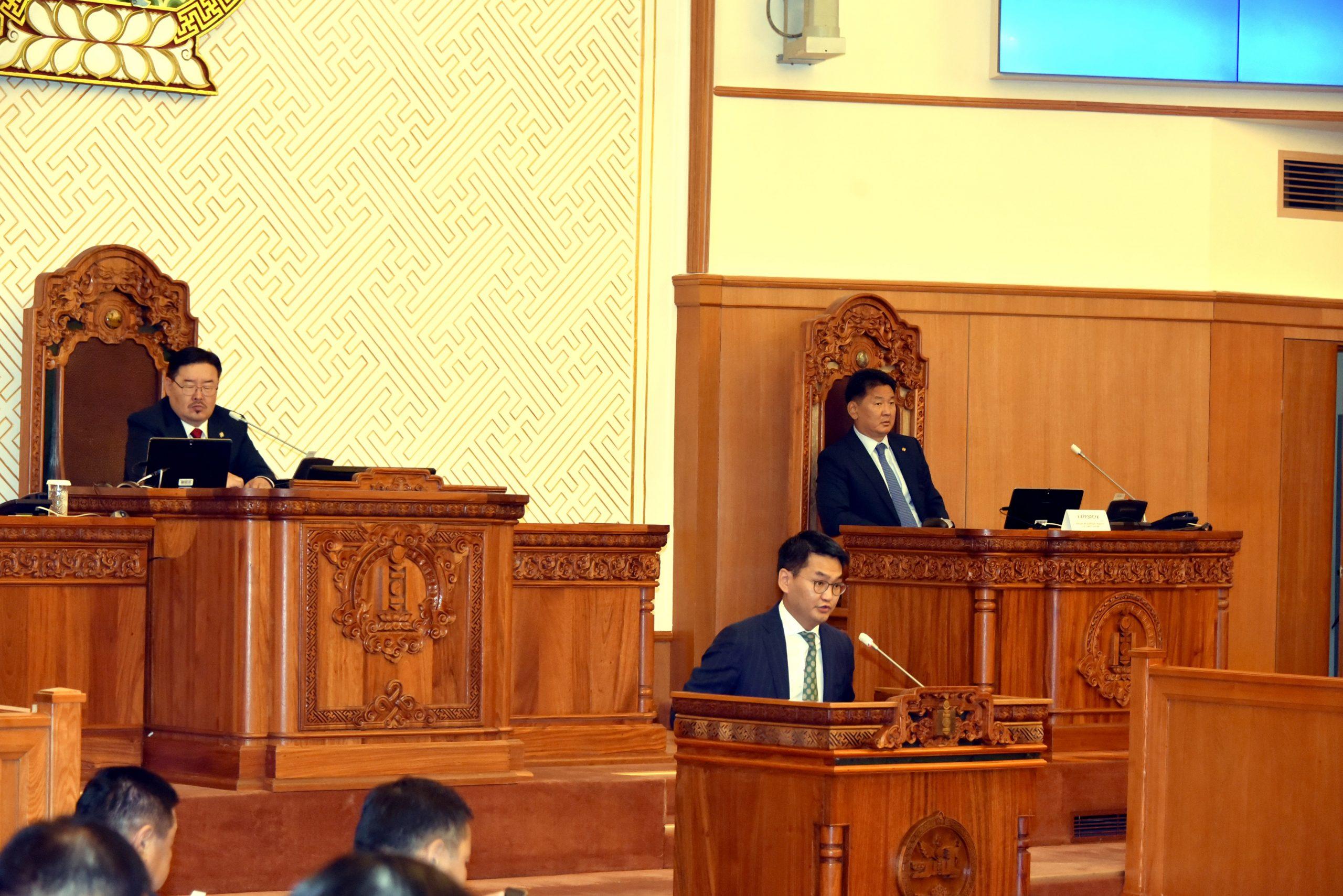 Монгол Улсын Ерөнхий сайдаар томилох саналыг УИХ-ын чуулганы нэгдсэн хуралдаанд танилцууллаа