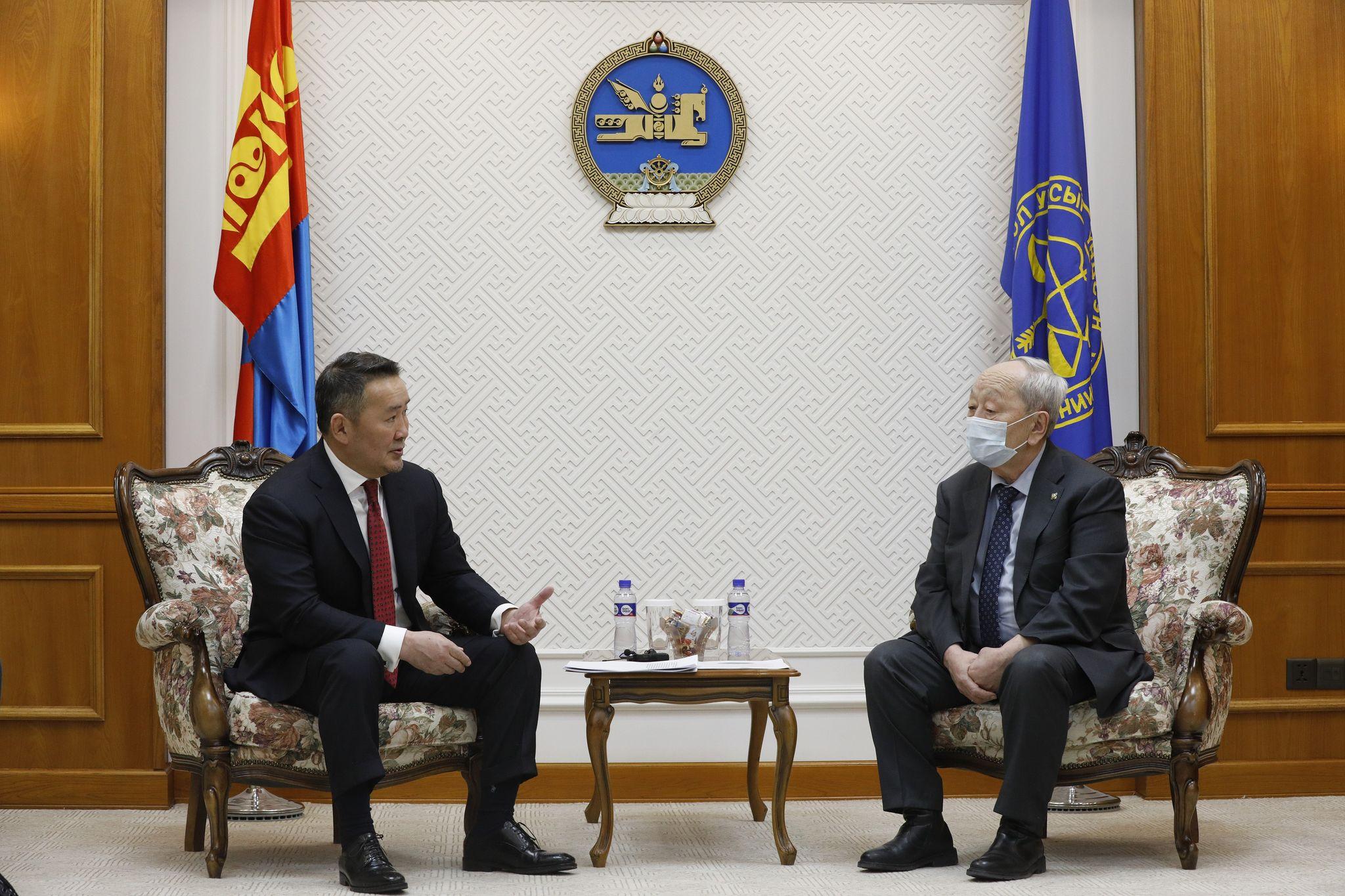 Монгол Улсын Ерөнхийлөгч Х.Баттулга Үндсэн хуулийн цэцэд хүсэлт гаргалаа