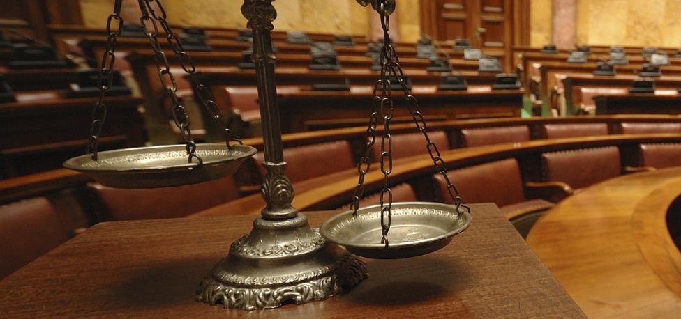 Ерөнхийлөгч, түүний Тамгын даргын хуулийг гуйвуулсан 5 ЖИШЭЭ