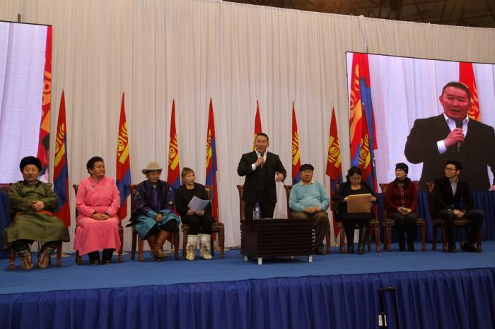 Монгол Улсын Ерөнхийлөгч Х.Баттулга: Намайг ард түмэн сонгосон учраас битгий Ардчилсан намын хүн гэж хар, нэг зүйл дээр төвлөрч хамтран ажиллая