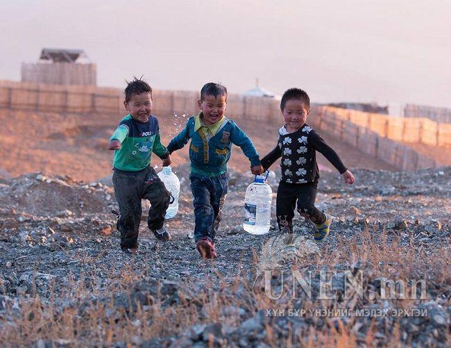 Усыг хайрлан гамнадаг монгол ухаанаа бид хаана гээв