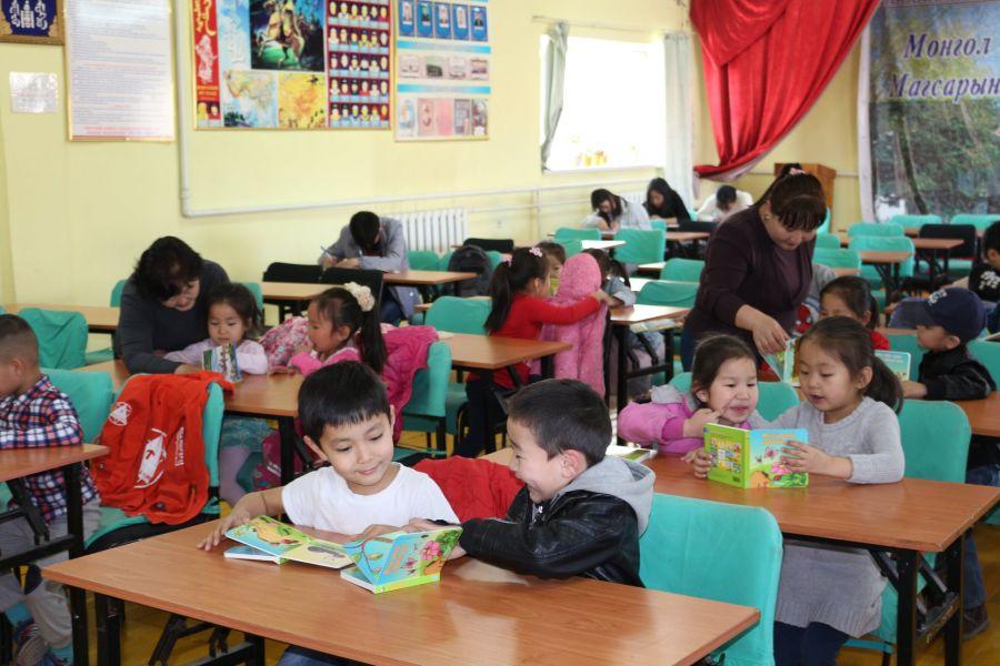 Олон улсын хүүхдийн номын өдрийг 52 дахь жилдээ тэмдэглэж байна