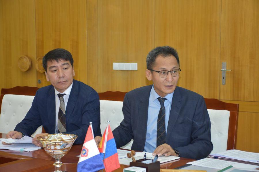 Монгол Улсад 511 сая төгрөгийн өртөг бүхий эмнэлгийн тоног төхөөрөмж хандивлав