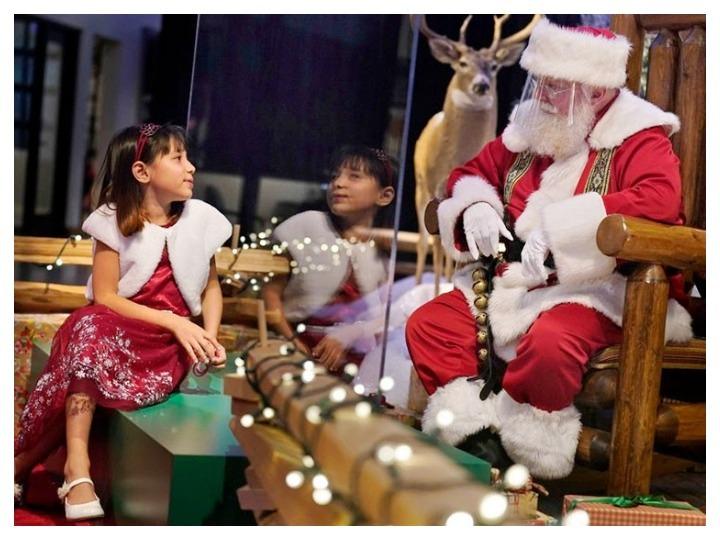 АНУ-д хүүхдүүдийг Санта-Клаусын өвөр дээр суухыг хоригложээ