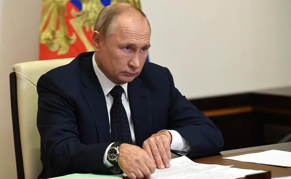 В.Путин таван сая рублиэс дээш орлоготой иргэдийн татварыг нэмэгдүүлэх хуульд гарын үсэг зурав