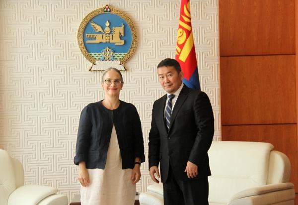 Монгол Улсын Ерөнхийлөгч Х.Баттулга Бүгд Найрамдах Франц Улсаас Монгол Улсад суугаа Элчин сайд Элизабет Барсакийг хүлээн авч уулзав