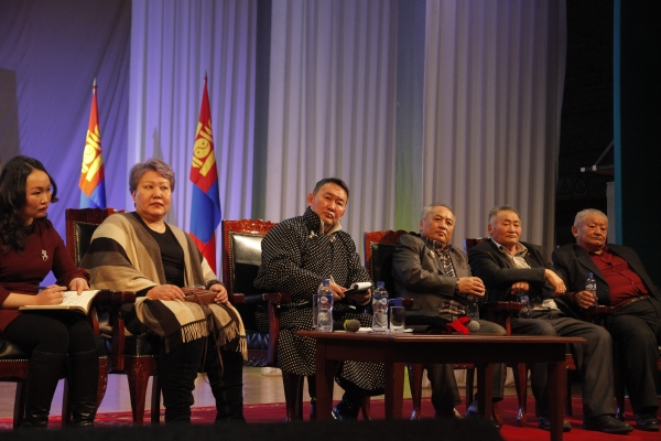 Монгол Улсын Ерөнхийлөгч Х.Баттулга Орхон аймгийн иргэдтэй уулзлаа