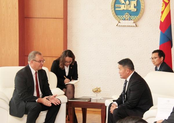 Монгол Улсын Ерөнхийлөгч Х.Баттулга Дэлхийн банкны Монгол дахь суурин төлөөлөгч Жэймс Андерсоныг хүлээн авч уулзав