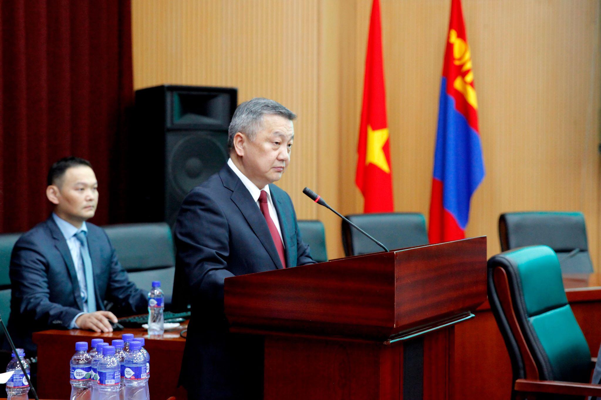 Монгол Улс-Вьетнам улсын хооронд дипломат харилцаа тогтоосны 65 жилийн ойд зориулсан эрдэм шинжилгээний хуралд мэндчилгээ дэвшүүлэв