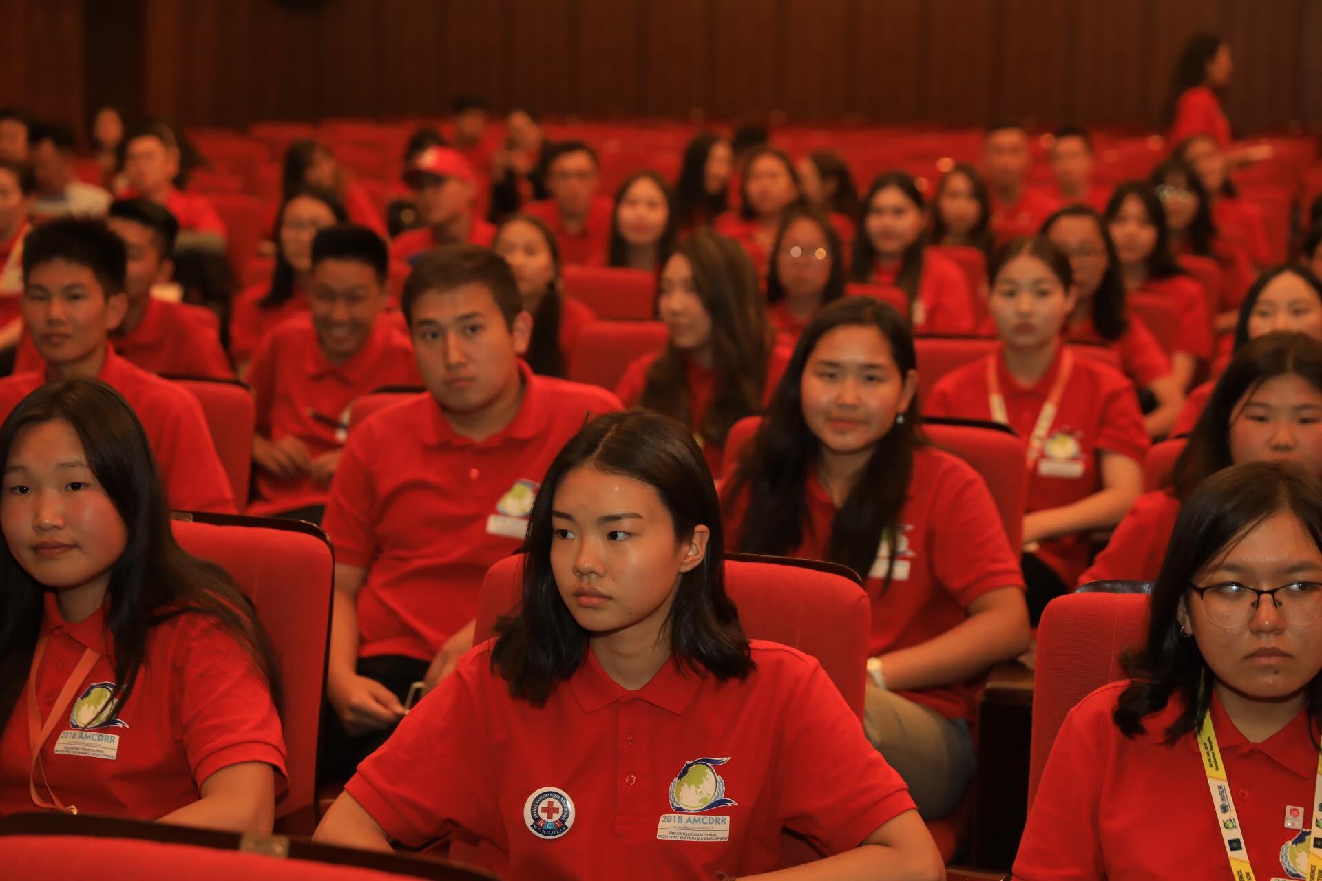 Азийн сайд нарын хурлын үеэр ажилласан сайн дурынханд тусгайлан талархал илэрхийлэв