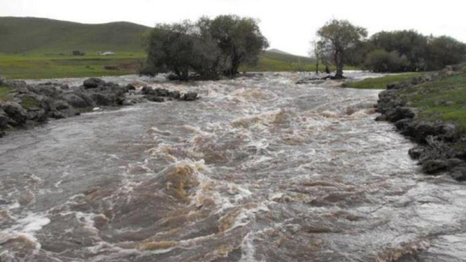 Сэрэмжлүүлэг: Гол мөрний усны түвшин 10-55 см даван үерлэж байна