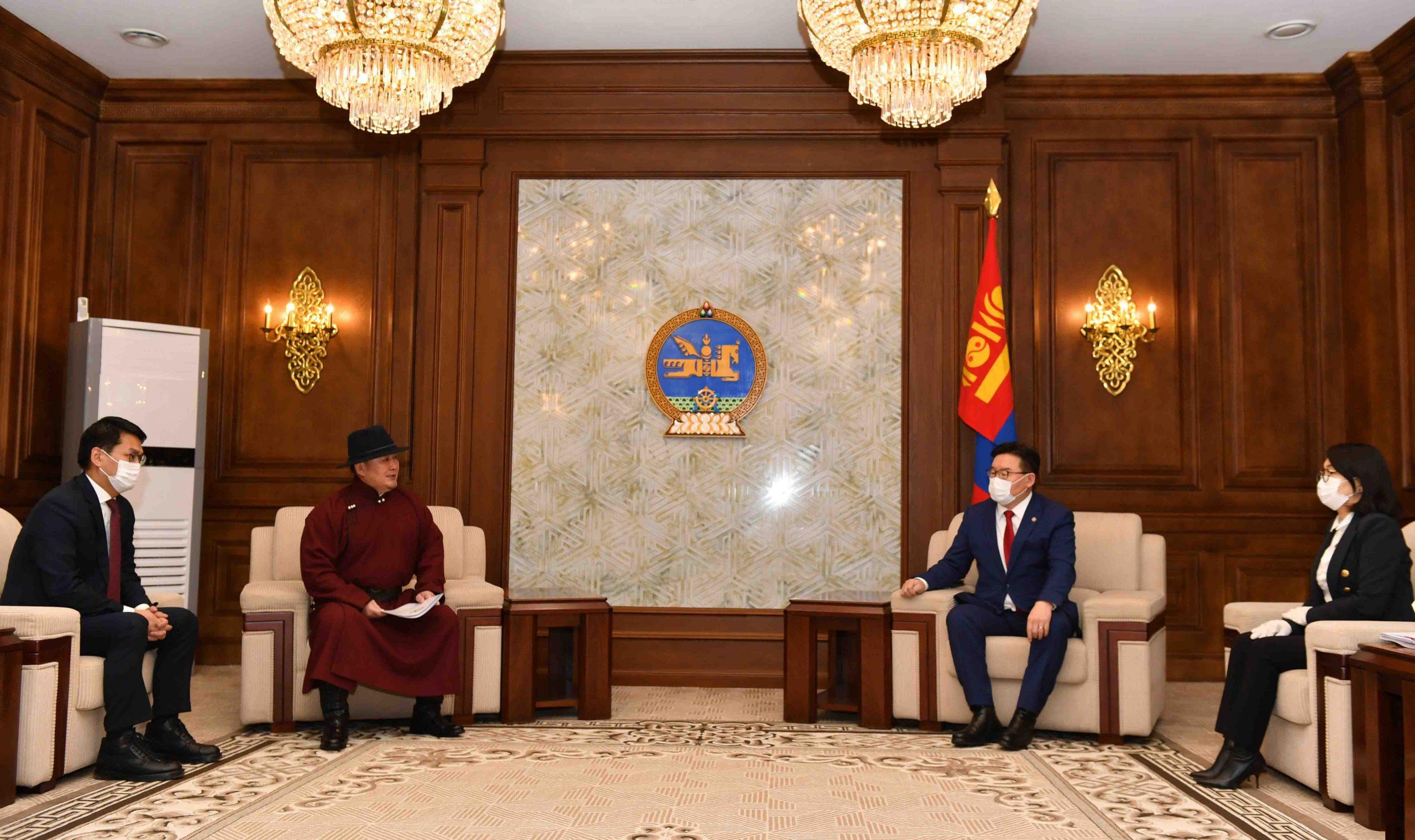 Монгол Улсын Ерөнхийлөгч Х.Баттулга оффшор бүсээс орж ирсэн хөрөнгөөр өрх бүрд нэг сая төгрөгийн дэмжлэг үзүүлэх УИХ-ын тогтоолын төсөл өргөн барилаа