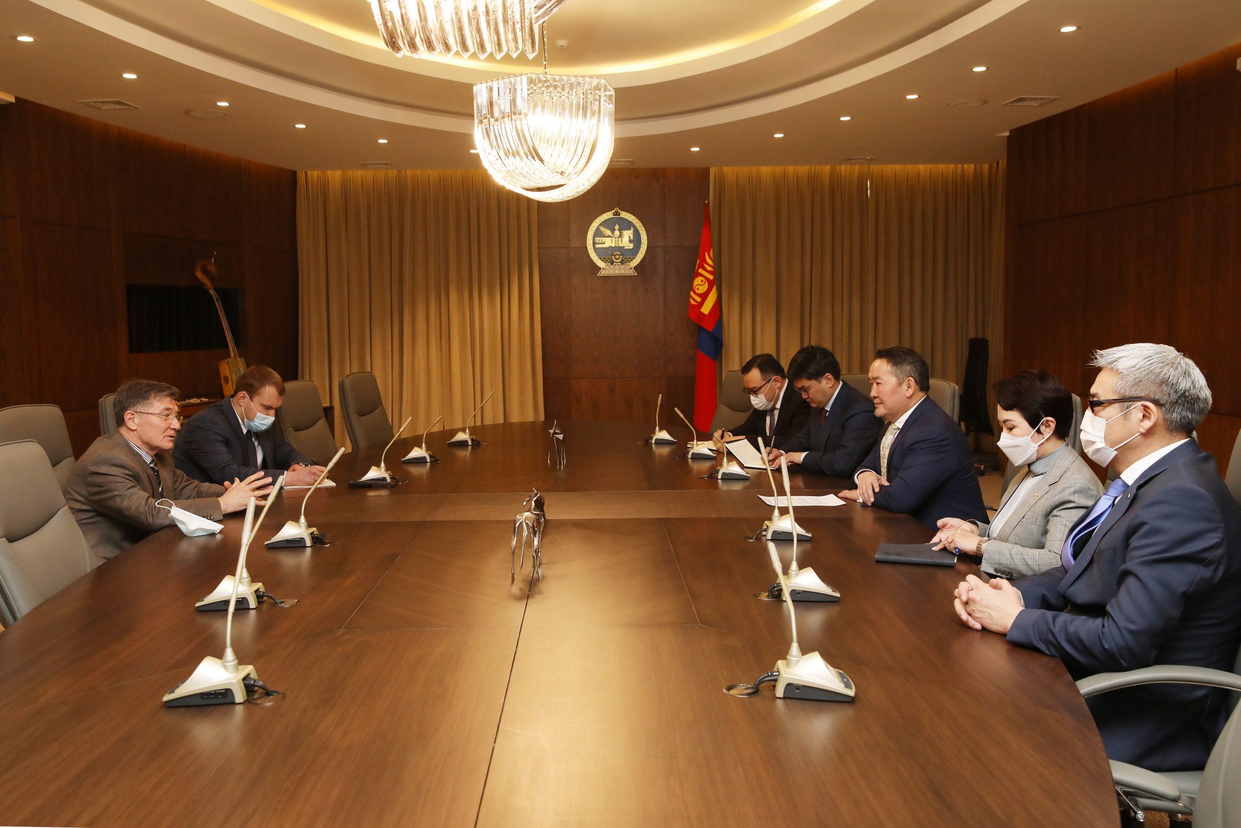 """Монгол Улсын Ерөнхийлөгч Х.Баттулга ОХУ-ын """"Sputnik V"""" вакциныг Монгол Улсад үйлдвэрлэх санал тавилаа"""