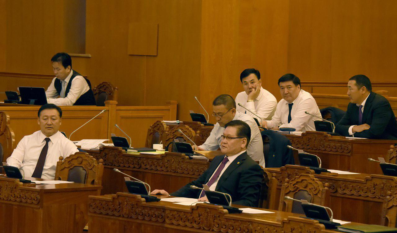 Монгол Улсын Ерөнхийлөгч Х.Баттулга: Одоо хараад суух цаг алга