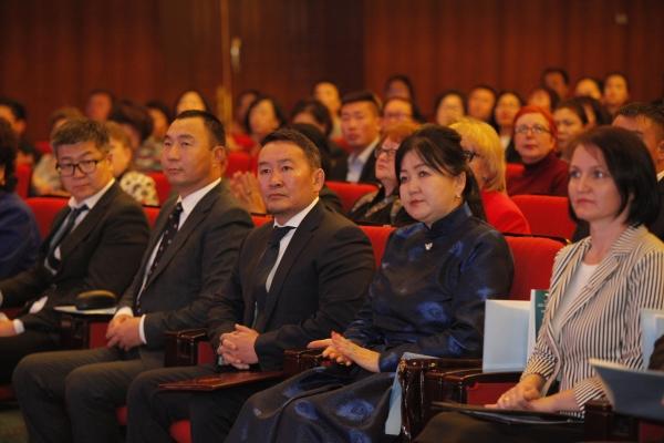 Монгол улсын Ерөнхийлөгч Х.Баттулга: Бага, дунд боловсролыг нийгэм, улс төр, хөгжлийн суурийг тавьж байгаатай зүйрлэн хэлж болно