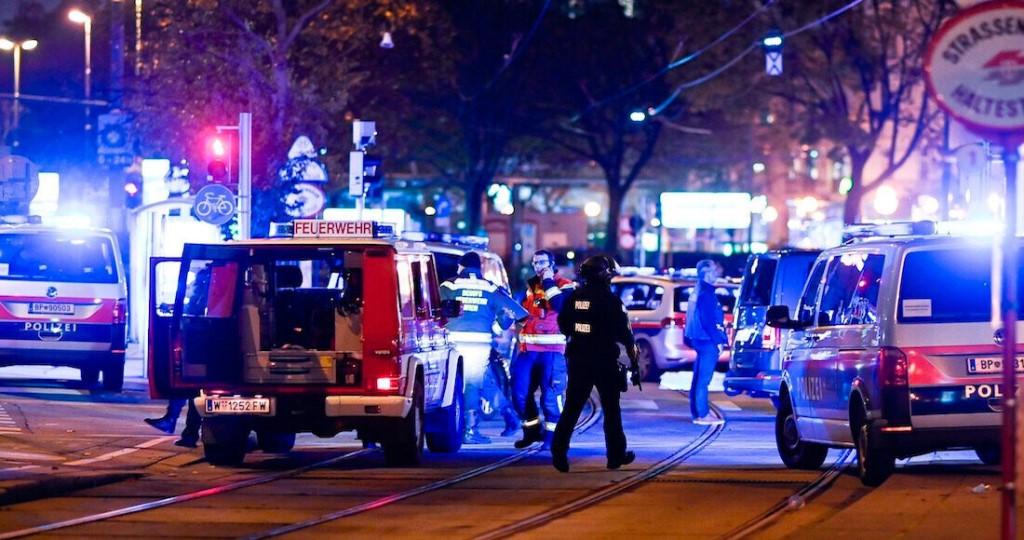 Вена хотод 6 газарт террорист халдлага болж, 2 хүн амиа алдав