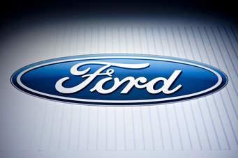 Ford, Apple компани яагаад Америк руу буцах сонирхолгүй байна вэ?