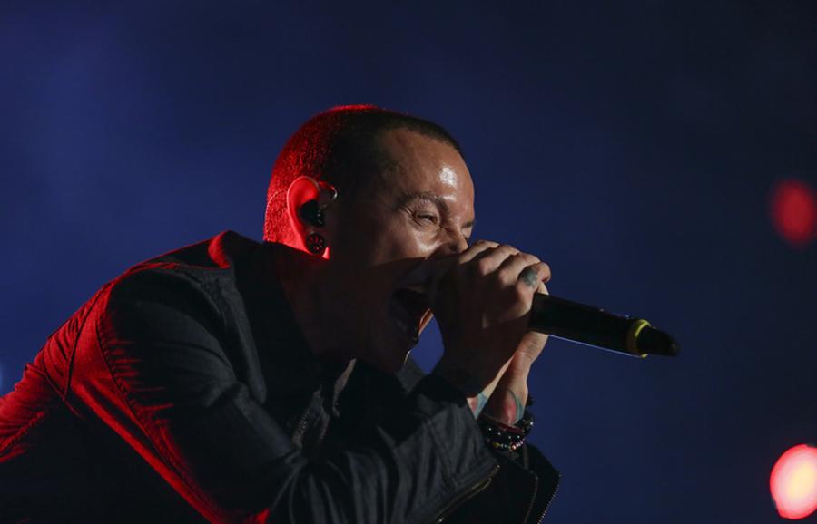 """""""Linkin Park""""-ийн гоцлол дуучныг оршууллаа"""