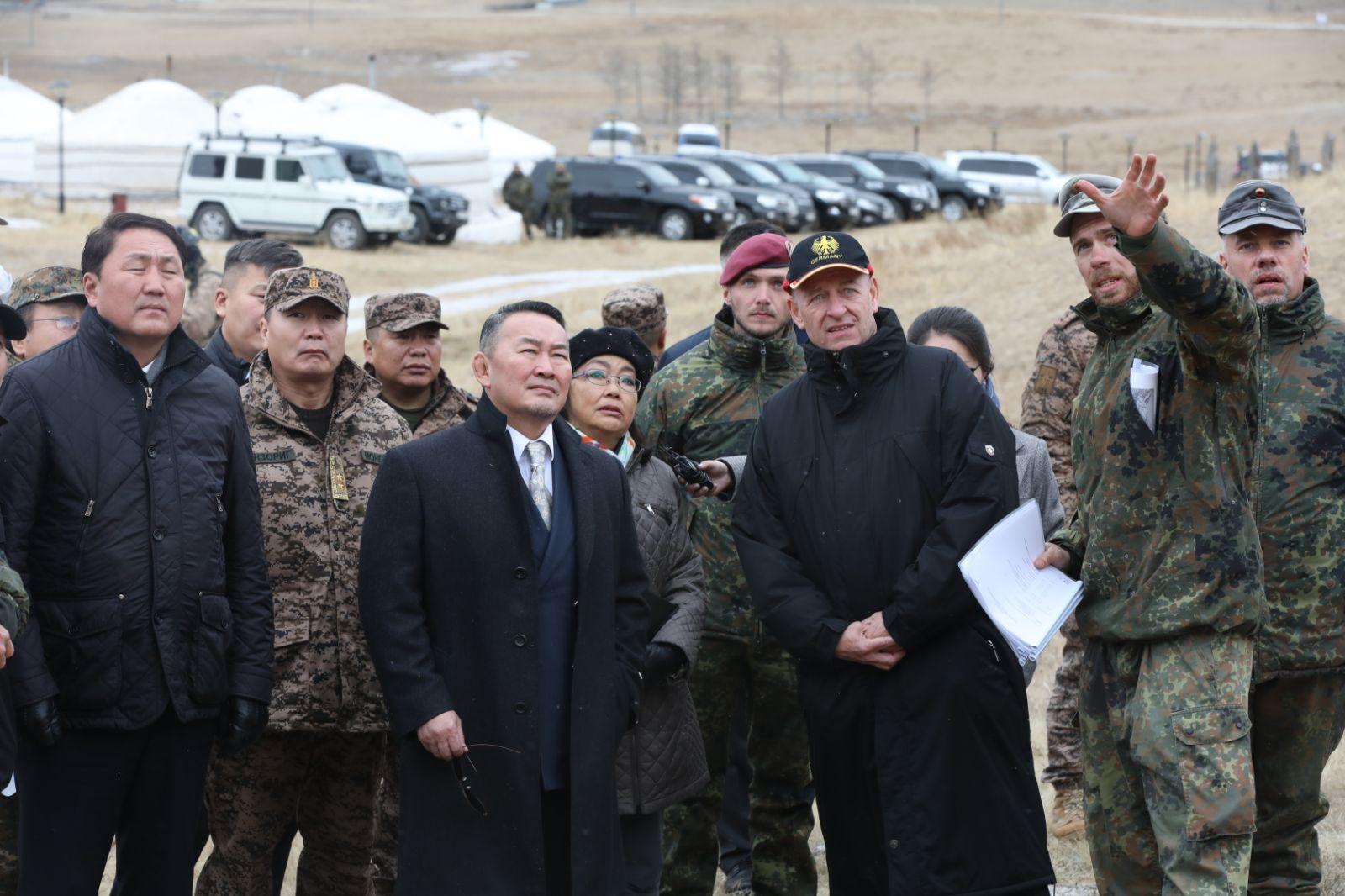Монгол Улсын Ерөнхийлөгч Х.Баттулга Монгол-Герман улсын Зэвсэгт хүчний хамтарсан сургалтын үйл ажиллагаатай танилцлаа